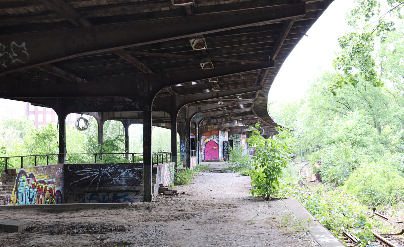 An abandoned Bahnhof from another time.