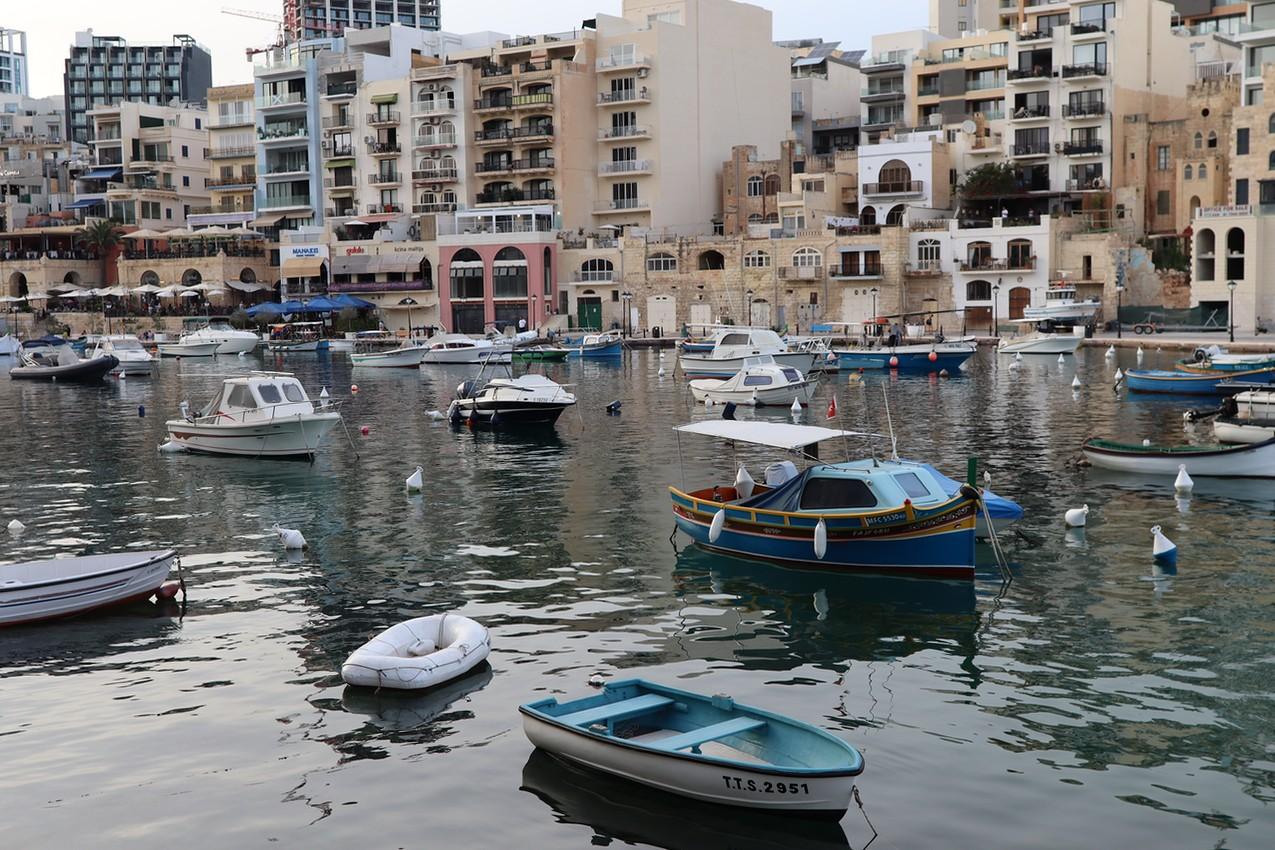 Boats in Spinola Bay, San Ġiljan